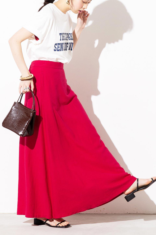 FrenchLinenSemiFlareSkirtフレンチリネン・セミフレアスカート大人カジュアルに最適な海外ファッションのothers(その他インポートアイテム)のボトムやスカート。こなれ感がある大人カジュアルにピッタリのリネン素材を使用したマキシスカート。バックベルトにのみゴム入りなのでウエストがスッキリ見えます。/main-24