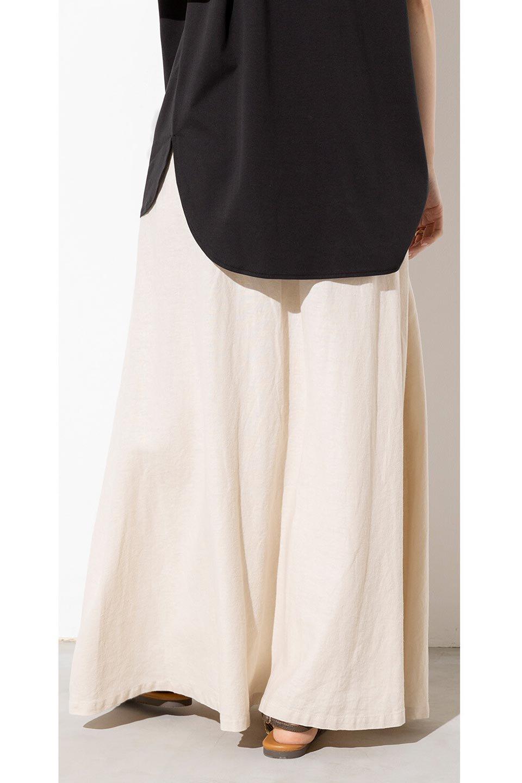 FrenchLinenSemiFlareSkirtフレンチリネン・セミフレアスカート大人カジュアルに最適な海外ファッションのothers(その他インポートアイテム)のボトムやスカート。こなれ感がある大人カジュアルにピッタリのリネン素材を使用したマキシスカート。バックベルトにのみゴム入りなのでウエストがスッキリ見えます。/main-25