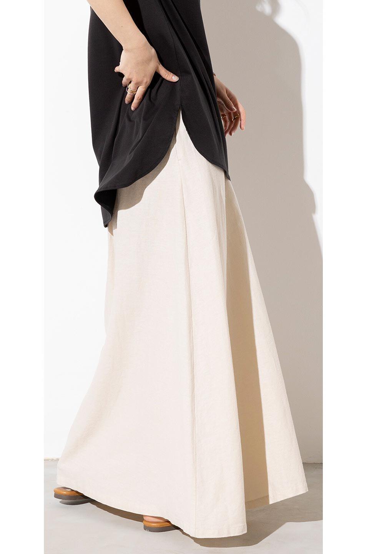 FrenchLinenSemiFlareSkirtフレンチリネン・セミフレアスカート大人カジュアルに最適な海外ファッションのothers(その他インポートアイテム)のボトムやスカート。こなれ感がある大人カジュアルにピッタリのリネン素材を使用したマキシスカート。バックベルトにのみゴム入りなのでウエストがスッキリ見えます。/main-26
