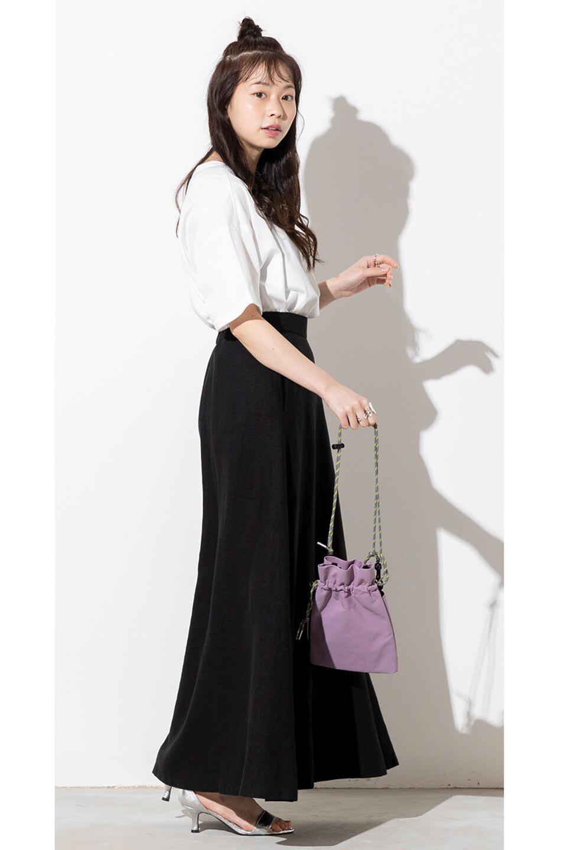 FrenchLinenSemiFlareSkirtフレンチリネン・セミフレアスカート大人カジュアルに最適な海外ファッションのothers(その他インポートアイテム)のボトムやスカート。こなれ感がある大人カジュアルにピッタリのリネン素材を使用したマキシスカート。バックベルトにのみゴム入りなのでウエストがスッキリ見えます。/main-31
