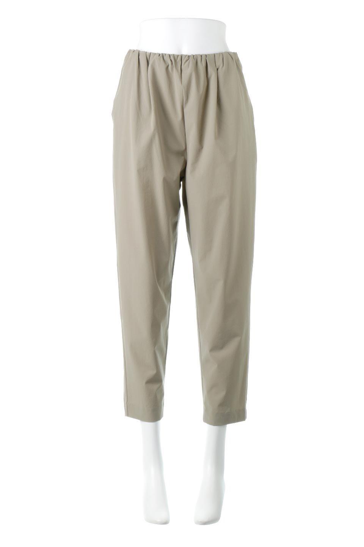Anti-UVCoolTouchPants接触冷感+UV加工・テーパードパンツ大人カジュアルに最適な海外ファッションのothers(その他インポートアイテム)のボトムやパンツ。ウエストゴムでストレスフリーな履き心地のサラサラ触感のパンツ。ヒップもゆったりとゆとりをもたせているので下着のラインも気にならず、透け感もないので安心のアイテム。
