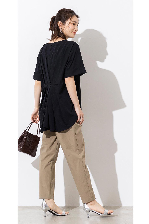 Anti-UVCoolTouchPants接触冷感+UV加工・テーパードパンツ大人カジュアルに最適な海外ファッションのothers(その他インポートアイテム)のボトムやパンツ。ウエストゴムでストレスフリーな履き心地のサラサラ触感のパンツ。ヒップもゆったりとゆとりをもたせているので下着のラインも気にならず、透け感もないので安心のアイテム。/main-15