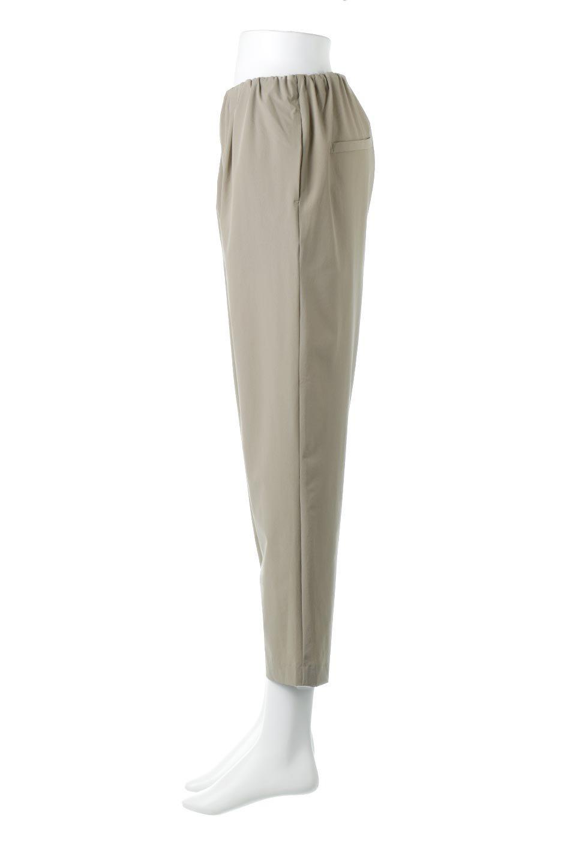 Anti-UVCoolTouchPants接触冷感+UV加工・テーパードパンツ大人カジュアルに最適な海外ファッションのothers(その他インポートアイテム)のボトムやパンツ。ウエストゴムでストレスフリーな履き心地のサラサラ触感のパンツ。ヒップもゆったりとゆとりをもたせているので下着のラインも気にならず、透け感もないので安心のアイテム。/main-2