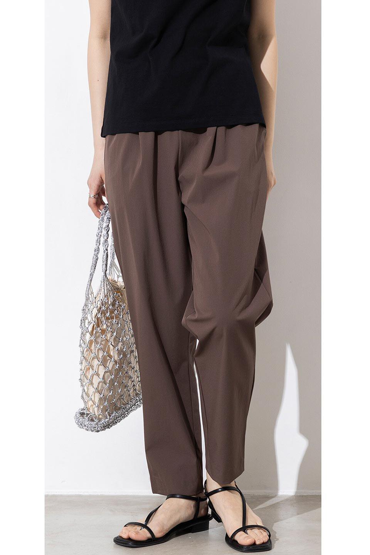 Anti-UVCoolTouchPants接触冷感+UV加工・テーパードパンツ大人カジュアルに最適な海外ファッションのothers(その他インポートアイテム)のボトムやパンツ。ウエストゴムでストレスフリーな履き心地のサラサラ触感のパンツ。ヒップもゆったりとゆとりをもたせているので下着のラインも気にならず、透け感もないので安心のアイテム。/main-21
