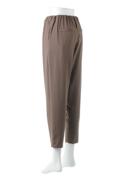 Anti-UVCoolTouchPants接触冷感+UV加工・テーパードパンツ大人カジュアルに最適な海外ファッションのothers(その他インポートアイテム)のボトムやパンツ。ウエストゴムでストレスフリーな履き心地のサラサラ触感のパンツ。ヒップもゆったりとゆとりをもたせているので下着のラインも気にならず、透け感もないので安心のアイテム。/main-8