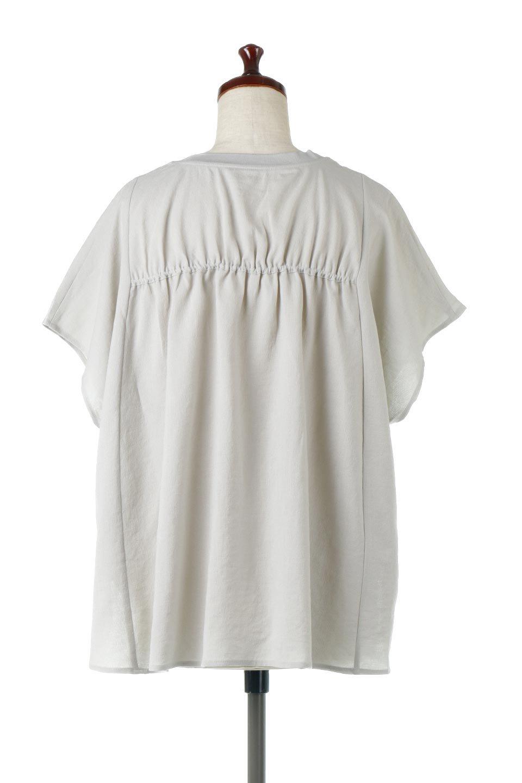 OverSizedBackGatherPullOverバックギャザー・オーバーTシャツ大人カジュアルに最適な海外ファッションのothers(その他インポートアイテム)のトップスやカットソー。ありそうでなかった麻のような質感が気持ち良い布帛生地のオーバーTシャツ。一見ビッグシルエットのTシャツのようですが、シャリっとした清涼感のあるタッチでシワになりにくい素材で、汗のべたつきも気になりにくいトップス。/main-10