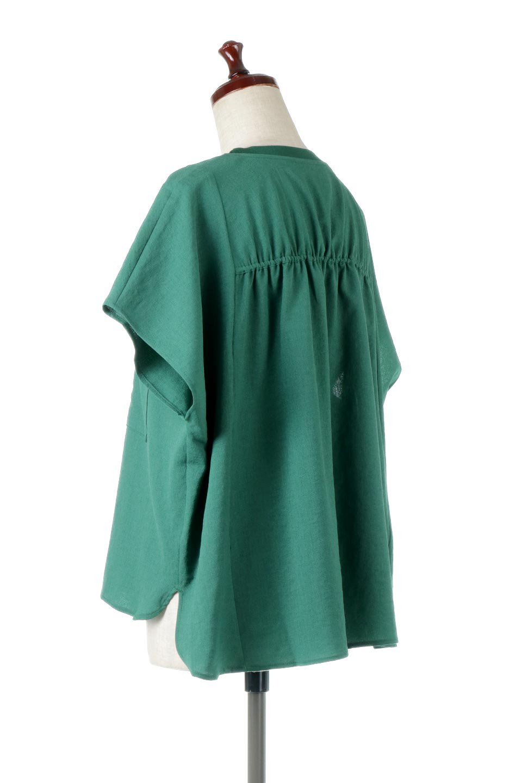 OverSizedBackGatherPullOverバックギャザー・オーバーTシャツ大人カジュアルに最適な海外ファッションのothers(その他インポートアイテム)のトップスやカットソー。ありそうでなかった麻のような質感が気持ち良い布帛生地のオーバーTシャツ。一見ビッグシルエットのTシャツのようですが、シャリっとした清涼感のあるタッチでシワになりにくい素材で、汗のべたつきも気になりにくいトップス。/main-7