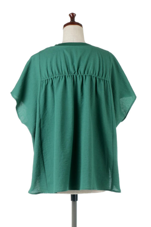 OverSizedBackGatherPullOverバックギャザー・オーバーTシャツ大人カジュアルに最適な海外ファッションのothers(その他インポートアイテム)のトップスやカットソー。ありそうでなかった麻のような質感が気持ち良い布帛生地のオーバーTシャツ。一見ビッグシルエットのTシャツのようですが、シャリっとした清涼感のあるタッチでシワになりにくい素材で、汗のべたつきも気になりにくいトップス。/main-9