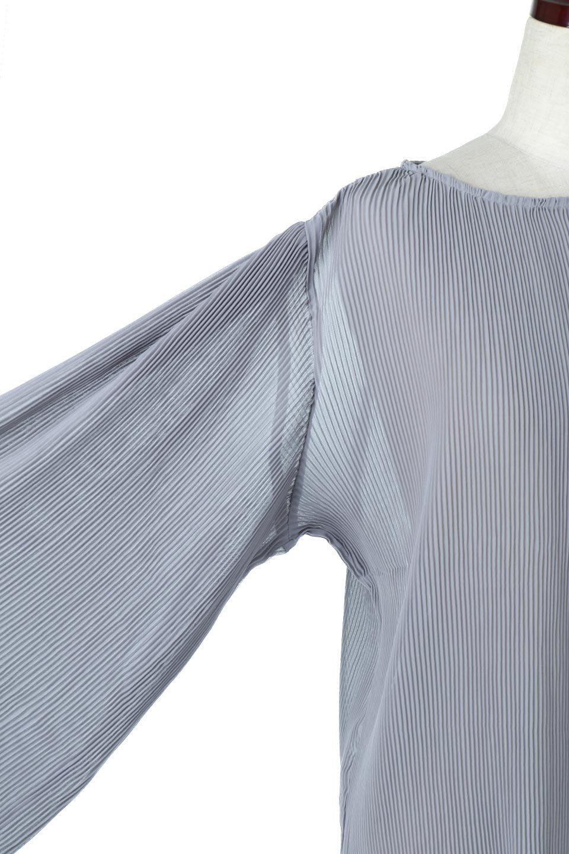 MicroPleatedVolumeSleeveBlouseミニプリーツ・ボリュームスリーブブラウス大人カジュアルに最適な海外ファッションのothers(その他インポートアイテム)のトップスやシャツ・ブラウス。光沢のあるミニプリーツの素材感が魅力の長袖ブラウス。ボリュームのある袖の可愛さと素材の大人っぽさで年令問わず楽しめるブラウスです。/main-13