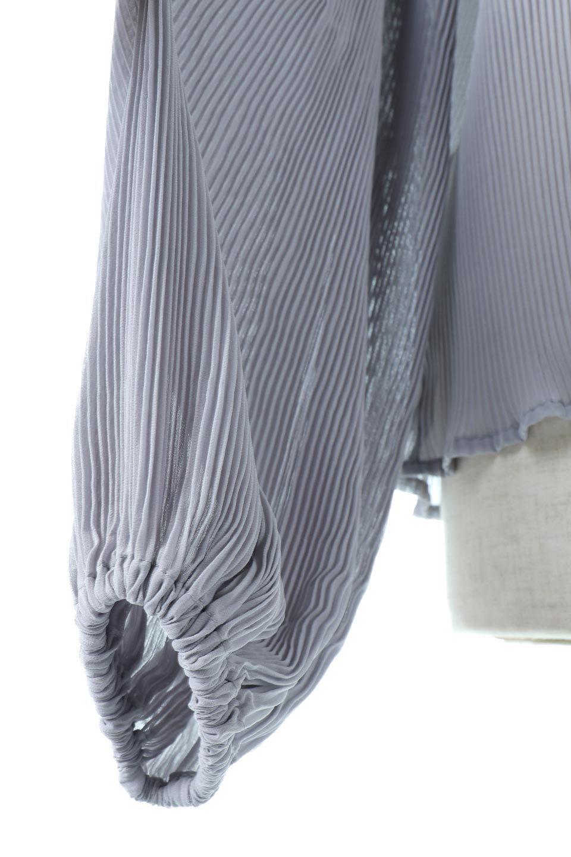 MicroPleatedVolumeSleeveBlouseミニプリーツ・ボリュームスリーブブラウス大人カジュアルに最適な海外ファッションのothers(その他インポートアイテム)のトップスやシャツ・ブラウス。光沢のあるミニプリーツの素材感が魅力の長袖ブラウス。ボリュームのある袖の可愛さと素材の大人っぽさで年令問わず楽しめるブラウスです。/main-14
