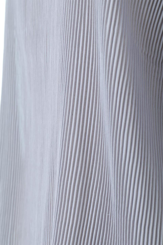 MicroPleatedVolumeSleeveBlouseミニプリーツ・ボリュームスリーブブラウス大人カジュアルに最適な海外ファッションのothers(その他インポートアイテム)のトップスやシャツ・ブラウス。光沢のあるミニプリーツの素材感が魅力の長袖ブラウス。ボリュームのある袖の可愛さと素材の大人っぽさで年令問わず楽しめるブラウスです。/main-16