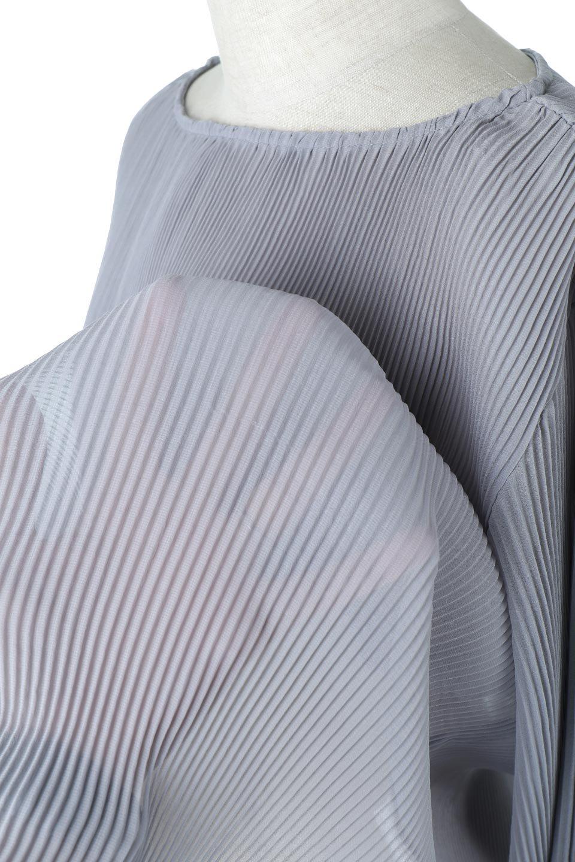 MicroPleatedVolumeSleeveBlouseミニプリーツ・ボリュームスリーブブラウス大人カジュアルに最適な海外ファッションのothers(その他インポートアイテム)のトップスやシャツ・ブラウス。光沢のあるミニプリーツの素材感が魅力の長袖ブラウス。ボリュームのある袖の可愛さと素材の大人っぽさで年令問わず楽しめるブラウスです。/main-17