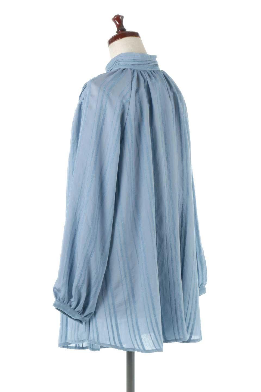 PinTuckStripeTunicBlouseストライプ・チュニックブラウス大人カジュアルに最適な海外ファッションのothers(その他インポートアイテム)のトップスやシャツ・ブラウス。前後の着用ができる2Wayタイプのチュニックブラウス。上品なシアー感のあるストライプの生地で、キレイめにもカジュアルにも楽しめるアイテムです。/main-18
