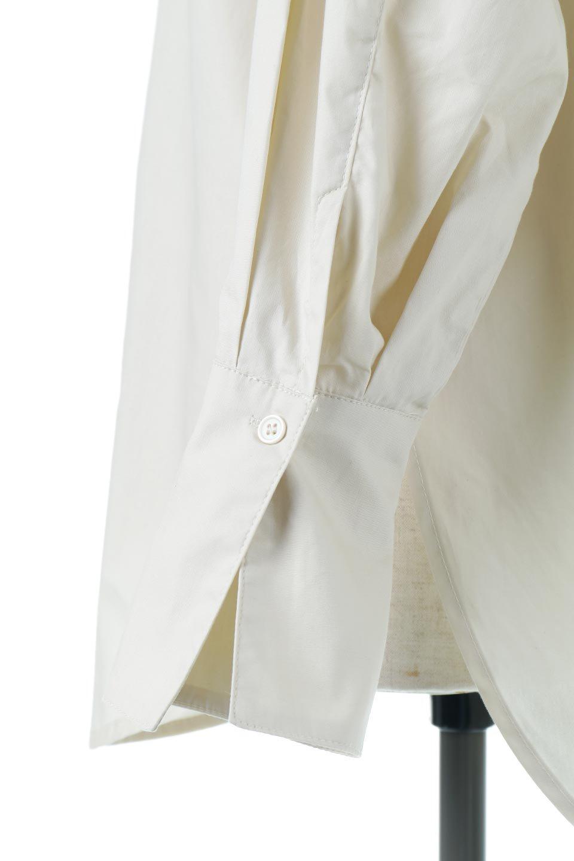 V-YokeLongSleeveBlouseVヨーク・長袖ブラウス大人カジュアルに最適な海外ファッションのothers(その他インポートアイテム)のトップスやシャツ・ブラウス。V字のヨークが印象的な長袖ブラウス。程よい張りがある生地を使用した大きめシルエットで春まで楽しめるアイテムです。/main-21