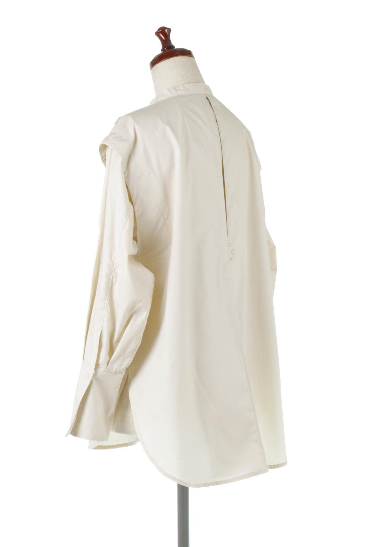 V-YokeLongSleeveBlouseVヨーク・長袖ブラウス大人カジュアルに最適な海外ファッションのothers(その他インポートアイテム)のトップスやシャツ・ブラウス。V字のヨークが印象的な長袖ブラウス。程よい張りがある生地を使用した大きめシルエットで春まで楽しめるアイテムです。/main-3