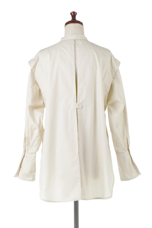 V-YokeLongSleeveBlouseVヨーク・長袖ブラウス大人カジュアルに最適な海外ファッションのothers(その他インポートアイテム)のトップスやシャツ・ブラウス。V字のヨークが印象的な長袖ブラウス。程よい張りがある生地を使用した大きめシルエットで春まで楽しめるアイテムです。/main-4