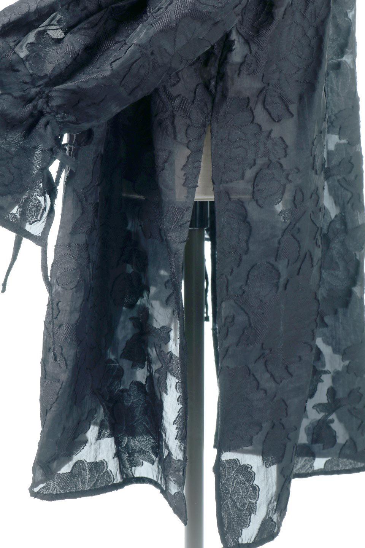 SheerJacquardSlitDressシアージャカード・スリットワンピース大人カジュアルに最適な海外ファッションのothers(その他インポートアイテム)のワンピースやミディワンピース。ジャカードの特徴を活かしたシアー素材のワンピース。フロントオープン仕様と深めのスリットなどでエキゾチックな印象もあるイテムです。/main-11