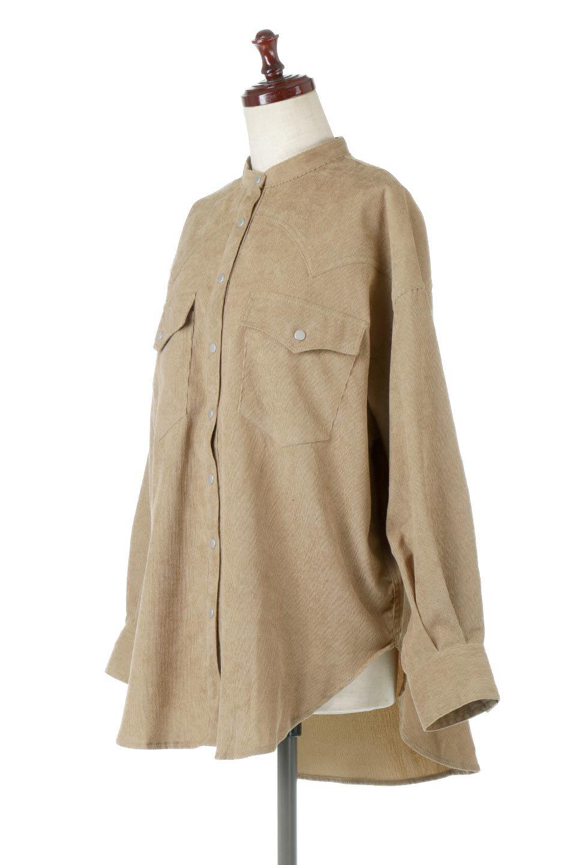 NarrowCordWesternBigShirts細うねコーデュロイ・ウエスタンシャツ大人カジュアルに最適な海外ファッションのothers(その他インポートアイテム)のトップスやシャツ・ブラウス。秋冬の定番素材コーデュロイを使用したウエスタン調のビッグシャツ。アーチ状のヨークやポケットはウエスタンシャツを感じさせるディテールですが、ルーズなシルエットは現代風な雰囲気です。/main-1