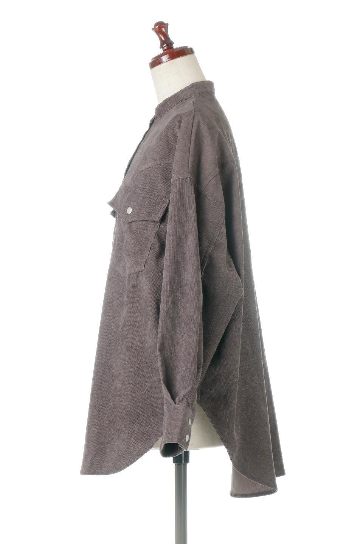 NarrowCordWesternBigShirts細うねコーデュロイ・ウエスタンシャツ大人カジュアルに最適な海外ファッションのothers(その他インポートアイテム)のトップスやシャツ・ブラウス。秋冬の定番素材コーデュロイを使用したウエスタン調のビッグシャツ。アーチ状のヨークやポケットはウエスタンシャツを感じさせるディテールですが、ルーズなシルエットは現代風な雰囲気です。/main-12