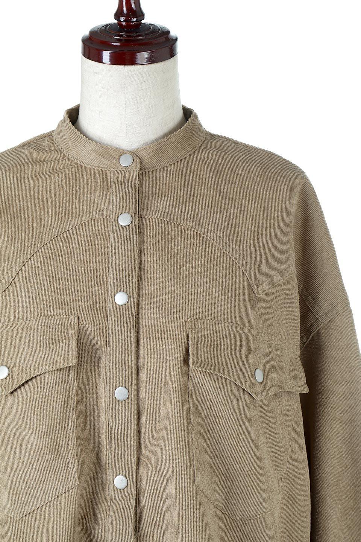 NarrowCordWesternBigShirts細うねコーデュロイ・ウエスタンシャツ大人カジュアルに最適な海外ファッションのothers(その他インポートアイテム)のトップスやシャツ・ブラウス。秋冬の定番素材コーデュロイを使用したウエスタン調のビッグシャツ。アーチ状のヨークやポケットはウエスタンシャツを感じさせるディテールですが、ルーズなシルエットは現代風な雰囲気です。/main-15