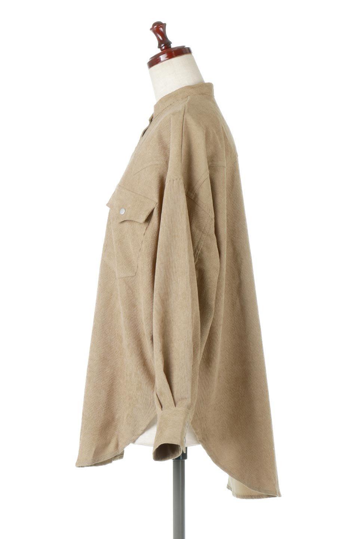 NarrowCordWesternBigShirts細うねコーデュロイ・ウエスタンシャツ大人カジュアルに最適な海外ファッションのothers(その他インポートアイテム)のトップスやシャツ・ブラウス。秋冬の定番素材コーデュロイを使用したウエスタン調のビッグシャツ。アーチ状のヨークやポケットはウエスタンシャツを感じさせるディテールですが、ルーズなシルエットは現代風な雰囲気です。/main-2