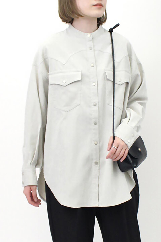 NarrowCordWesternBigShirts細うねコーデュロイ・ウエスタンシャツ大人カジュアルに最適な海外ファッションのothers(その他インポートアイテム)のトップスやシャツ・ブラウス。秋冬の定番素材コーデュロイを使用したウエスタン調のビッグシャツ。アーチ状のヨークやポケットはウエスタンシャツを感じさせるディテールですが、ルーズなシルエットは現代風な雰囲気です。/main-23