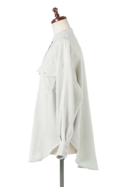 NarrowCordWesternBigShirts細うねコーデュロイ・ウエスタンシャツ大人カジュアルに最適な海外ファッションのothers(その他インポートアイテム)のトップスやシャツ・ブラウス。秋冬の定番素材コーデュロイを使用したウエスタン調のビッグシャツ。アーチ状のヨークやポケットはウエスタンシャツを感じさせるディテールですが、ルーズなシルエットは現代風な雰囲気です。/main-7