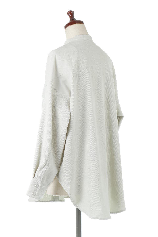NarrowCordWesternBigShirts細うねコーデュロイ・ウエスタンシャツ大人カジュアルに最適な海外ファッションのothers(その他インポートアイテム)のトップスやシャツ・ブラウス。秋冬の定番素材コーデュロイを使用したウエスタン調のビッグシャツ。アーチ状のヨークやポケットはウエスタンシャツを感じさせるディテールですが、ルーズなシルエットは現代風な雰囲気です。/main-8
