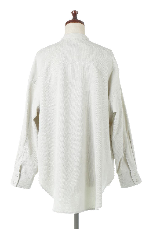 NarrowCordWesternBigShirts細うねコーデュロイ・ウエスタンシャツ大人カジュアルに最適な海外ファッションのothers(その他インポートアイテム)のトップスやシャツ・ブラウス。秋冬の定番素材コーデュロイを使用したウエスタン調のビッグシャツ。アーチ状のヨークやポケットはウエスタンシャツを感じさせるディテールですが、ルーズなシルエットは現代風な雰囲気です。/main-9