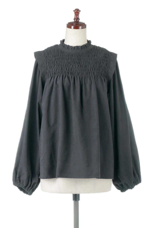 VolumeSleeveGatherBlouseボリュームスリーブ・ギャザーブラウス大人カジュアルに最適な海外ファッションのothers(その他インポートアイテム)のトップスやシャツ・ブラウス。ワイドなシルエットにふっくらとしたボリュームスリーブが可愛いブラウス。胸のギャザーがゆったりボディーを引き締めて着ぶくれを防いでくれます。/main-15