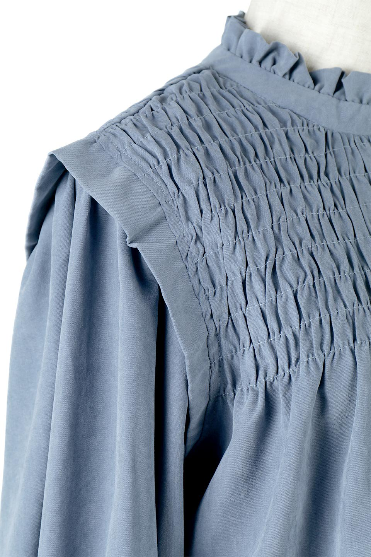 VolumeSleeveGatherBlouseボリュームスリーブ・ギャザーブラウス大人カジュアルに最適な海外ファッションのothers(その他インポートアイテム)のトップスやシャツ・ブラウス。ワイドなシルエットにふっくらとしたボリュームスリーブが可愛いブラウス。胸のギャザーがゆったりボディーを引き締めて着ぶくれを防いでくれます。/main-20