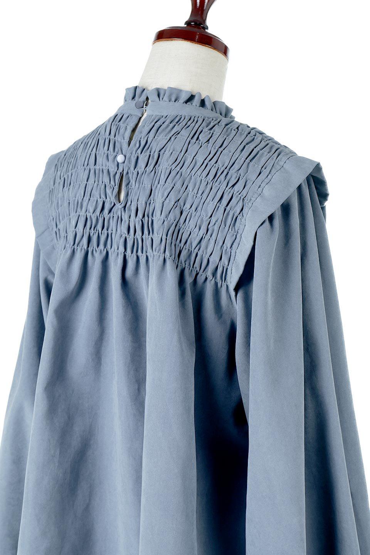 VolumeSleeveGatherBlouseボリュームスリーブ・ギャザーブラウス大人カジュアルに最適な海外ファッションのothers(その他インポートアイテム)のトップスやシャツ・ブラウス。ワイドなシルエットにふっくらとしたボリュームスリーブが可愛いブラウス。胸のギャザーがゆったりボディーを引き締めて着ぶくれを防いでくれます。/main-24