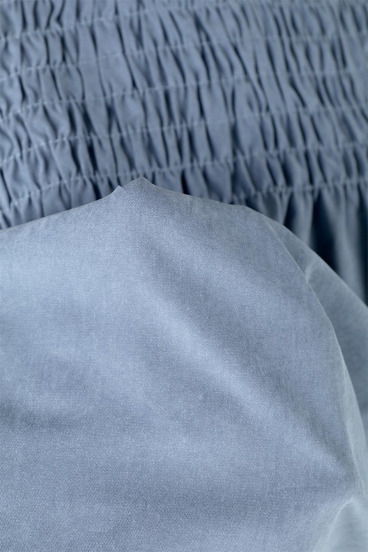 VolumeSleeveGatherBlouseボリュームスリーブ・ギャザーブラウス大人カジュアルに最適な海外ファッションのothers(その他インポートアイテム)のトップスやシャツ・ブラウス。ワイドなシルエットにふっくらとしたボリュームスリーブが可愛いブラウス。胸のギャザーがゆったりボディーを引き締めて着ぶくれを防いでくれます。/main-27