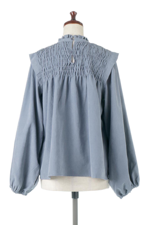 VolumeSleeveGatherBlouseボリュームスリーブ・ギャザーブラウス大人カジュアルに最適な海外ファッションのothers(その他インポートアイテム)のトップスやシャツ・ブラウス。ワイドなシルエットにふっくらとしたボリュームスリーブが可愛いブラウス。胸のギャザーがゆったりボディーを引き締めて着ぶくれを防いでくれます。/main-9