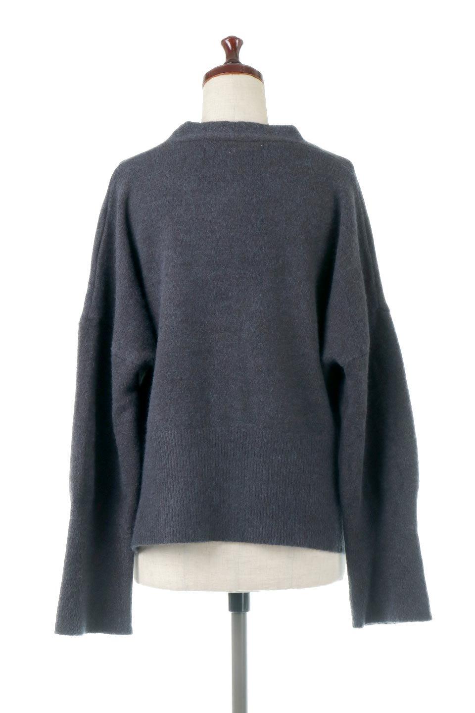 BigSilhouetteKnitCardiganビッグシルエット・カーディガン大人カジュアルに最適な海外ファッションのothers(その他インポートアイテム)のアウターやカーディガン。たぷっとしたシルエットが魅力的なカーディガン。大き目のボタンとゆったりとした身幅を取ったシルエットが特徴のアイテムです。/main-14