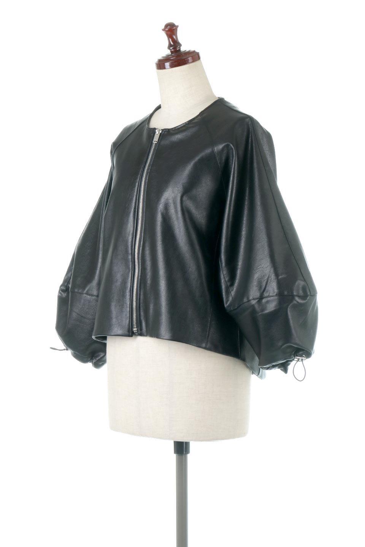 PuffSleeveEcoLeatherJacket袖コンシャス・エコレザージャケット大人カジュアルに最適な海外ファッションのothers(その他インポートアイテム)のアウターやジャケット。ボリュームのある袖と短めの着丈でバランスが取りやすいレザージャケット。パフスリーブのシルエットで腕周りをきれいに見せてくれます。/main-1