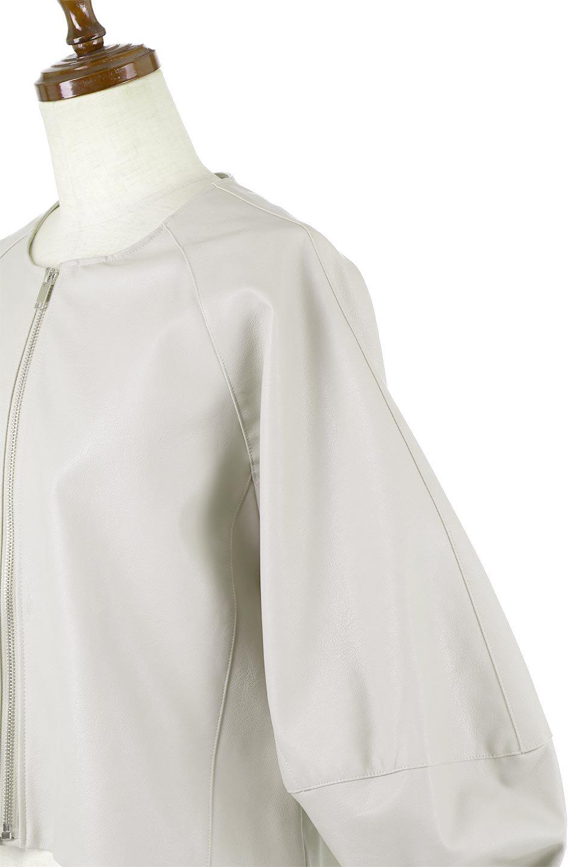 PuffSleeveEcoLeatherJacket袖コンシャス・エコレザージャケット大人カジュアルに最適な海外ファッションのothers(その他インポートアイテム)のアウターやジャケット。ボリュームのある袖と短めの着丈でバランスが取りやすいレザージャケット。パフスリーブのシルエットで腕周りをきれいに見せてくれます。/main-12