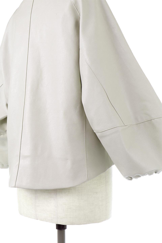 PuffSleeveEcoLeatherJacket袖コンシャス・エコレザージャケット大人カジュアルに最適な海外ファッションのothers(その他インポートアイテム)のアウターやジャケット。ボリュームのある袖と短めの着丈でバランスが取りやすいレザージャケット。パフスリーブのシルエットで腕周りをきれいに見せてくれます。/main-14