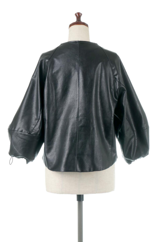 PuffSleeveEcoLeatherJacket袖コンシャス・エコレザージャケット大人カジュアルに最適な海外ファッションのothers(その他インポートアイテム)のアウターやジャケット。ボリュームのある袖と短めの着丈でバランスが取りやすいレザージャケット。パフスリーブのシルエットで腕周りをきれいに見せてくれます。/main-4