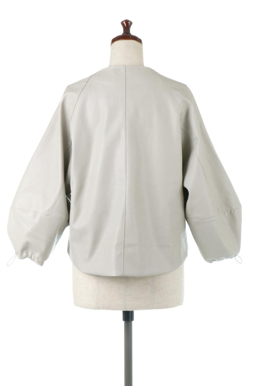 PuffSleeveEcoLeatherJacket袖コンシャス・エコレザージャケット大人カジュアルに最適な海外ファッションのothers(その他インポートアイテム)のアウターやジャケット。ボリュームのある袖と短めの着丈でバランスが取りやすいレザージャケット。パフスリーブのシルエットで腕周りをきれいに見せてくれます。/main-9