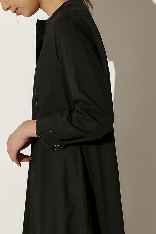 FlarePanelLongShirtsDressコットンストレッチ・シャツワンピース大人カジュアルに最適な海外ファッションのothers(その他インポートアイテム)のワンピースやミディワンピース。ゆったり目なのに細見え効果抜群の長袖シャツワンピース。タイトではない程よいシェイプ感があり、女性らしいシルエットが美しいワンピースです。/main-15