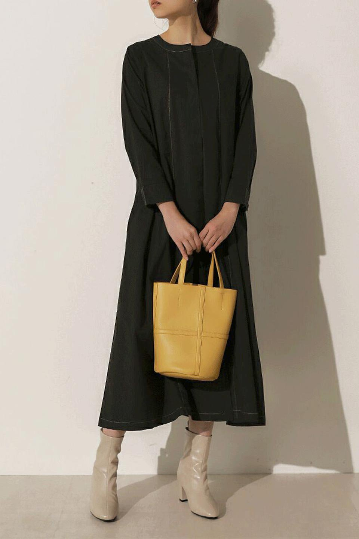 FlarePanelLongShirtsDressコットンストレッチ・シャツワンピース大人カジュアルに最適な海外ファッションのothers(その他インポートアイテム)のワンピースやミディワンピース。ゆったり目なのに細見え効果抜群の長袖シャツワンピース。タイトではない程よいシェイプ感があり、女性らしいシルエットが美しいワンピースです。/main-18