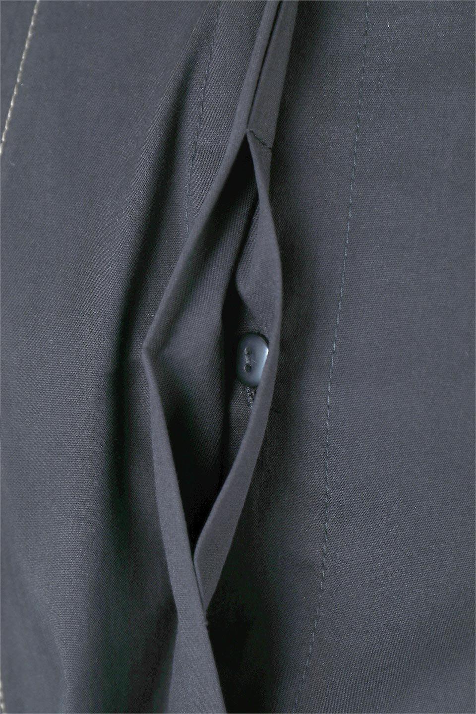 FlarePanelLongShirtsDressコットンストレッチ・シャツワンピース大人カジュアルに最適な海外ファッションのothers(その他インポートアイテム)のワンピースやミディワンピース。ゆったり目なのに細見え効果抜群の長袖シャツワンピース。タイトではない程よいシェイプ感があり、女性らしいシルエットが美しいワンピースです。/main-9