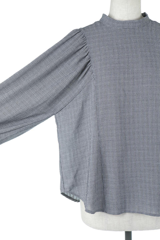 CheckGatherSleeveBlouseチェック柄・ギャザーブラウス大人カジュアルに最適な海外ファッションのothers(その他インポートアイテム)のトップスやシャツ・ブラウス。繊細で柔らかいジョーゼットを使ったチェック柄が可愛いブラウスジョーゼットの質感をうまく使ったギャザーデザインで、たっぷりしたシルエットがきれいに落ちてまとまります。手首と首元にメリハリを付け、広がりすぎず上品な雰囲気。/main-20