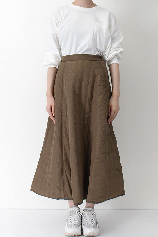 InsulatedQuiltedFlareSkirt中綿入り・キルティングスカート大人カジュアルに最適な海外ファッションのothers(その他インポートアイテム)のボトムやスカート。寒い時期に嬉しい中綿入のキルティング・フレアスカート。ソフトなポリエステル生地で軽い仕上がりです。/main-25
