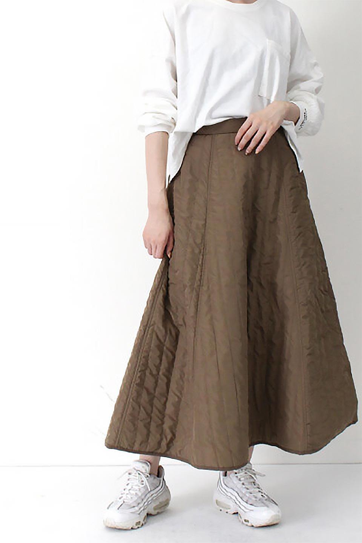 InsulatedQuiltedFlareSkirt中綿入り・キルティングスカート大人カジュアルに最適な海外ファッションのothers(その他インポートアイテム)のボトムやスカート。寒い時期に嬉しい中綿入のキルティング・フレアスカート。ソフトなポリエステル生地で軽い仕上がりです。/main-26