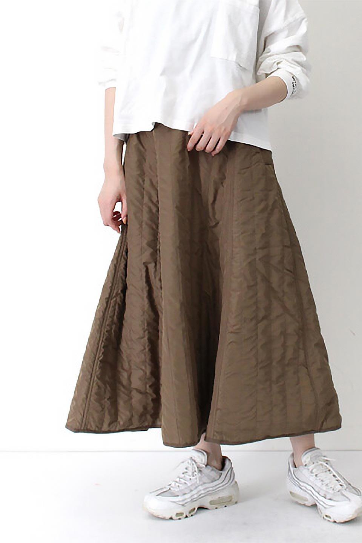 InsulatedQuiltedFlareSkirt中綿入り・キルティングスカート大人カジュアルに最適な海外ファッションのothers(その他インポートアイテム)のボトムやスカート。寒い時期に嬉しい中綿入のキルティング・フレアスカート。ソフトなポリエステル生地で軽い仕上がりです。/main-29