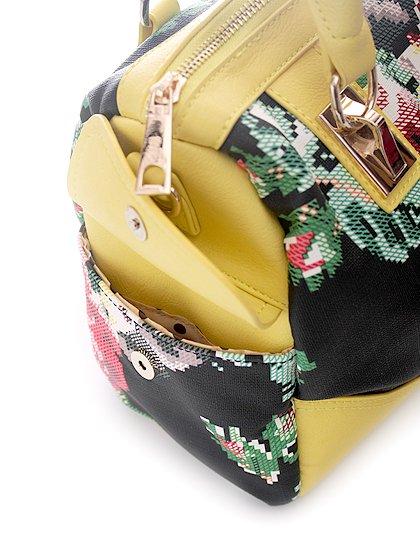meliebiancoのSadie(Yellow)/海外ファッション好きにオススメのインポートバッグとかばん、MelieBianco(メリービアンコ)のバッグやハンドバッグ。鮮やかな花柄のグラフィックが綺麗なハンドバッグ。シンプルなコーディネートに合わせるだけで、グッと華やかな印象にしてくれます。/main-8