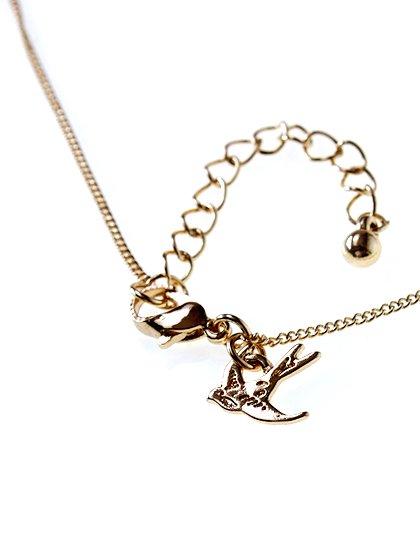 Towne&ReeseのHattieNecklace/インポートのアクセサリーブランド、Towne&Reese(タウンアンドリース)のアクセサリーやネックレス。遊び心が欲しい時などに活躍しそうなネックレスです。しっとりとした金メッキのチェーンのお陰で、ポップ過ぎないおしゃれアイテムです。/main-4
