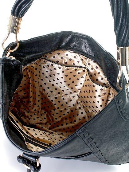 meliebiancoのMargarita(Black)/海外ファッション好きにオススメのインポートバッグとかばん、MelieBianco(メリービアンコ)のバッグやハンドバッグ。ややスリムなデザインがスタイリッシュなショルダーバッグ。ねじねじの持ち手や、揺れるタッセルがとてもかわいい仕上がりです。/main-7